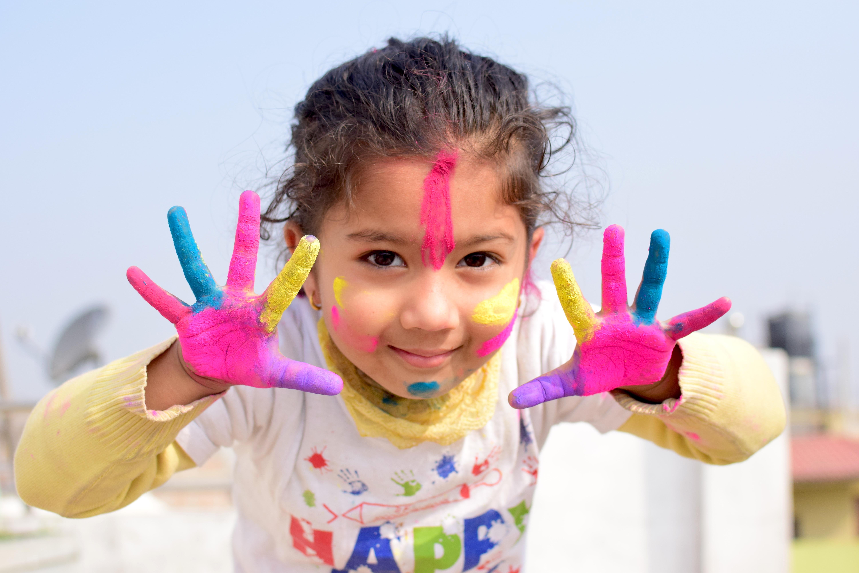 Farben Spielen mit Kindern - Leichtigkeit Spass Florence Zumbihl